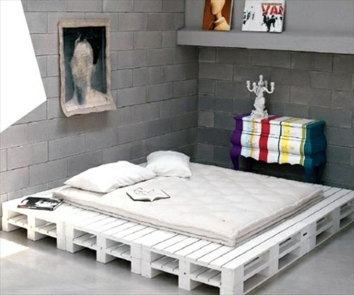 DIY domowe drewniane łóżko