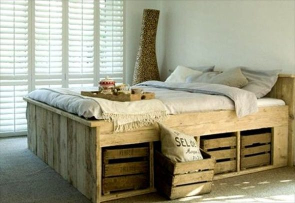 Wysokie i praktyczne łóżko paletowe z szufladami